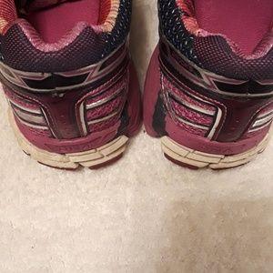 Brooks Shoes - Brooks Adrenaline GTS w/DNA Size 7